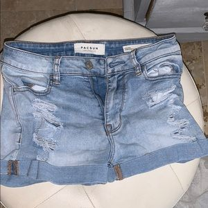 Light ripped jean shorts